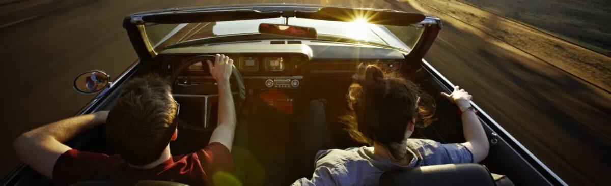 Met z'm tweeën in de auto :)